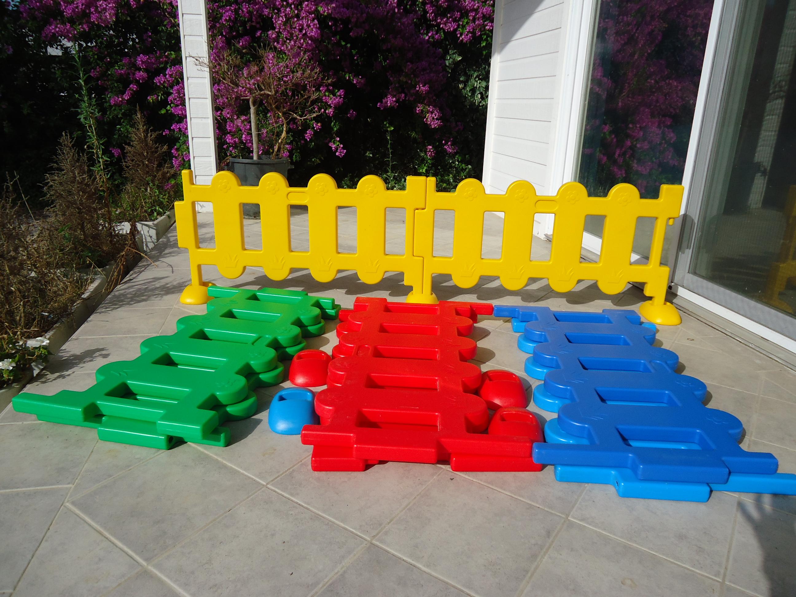 Staccionata In Plastica Giardino.Annunci Vendo Staccionata In Plastica Per Bambini Fondani It
